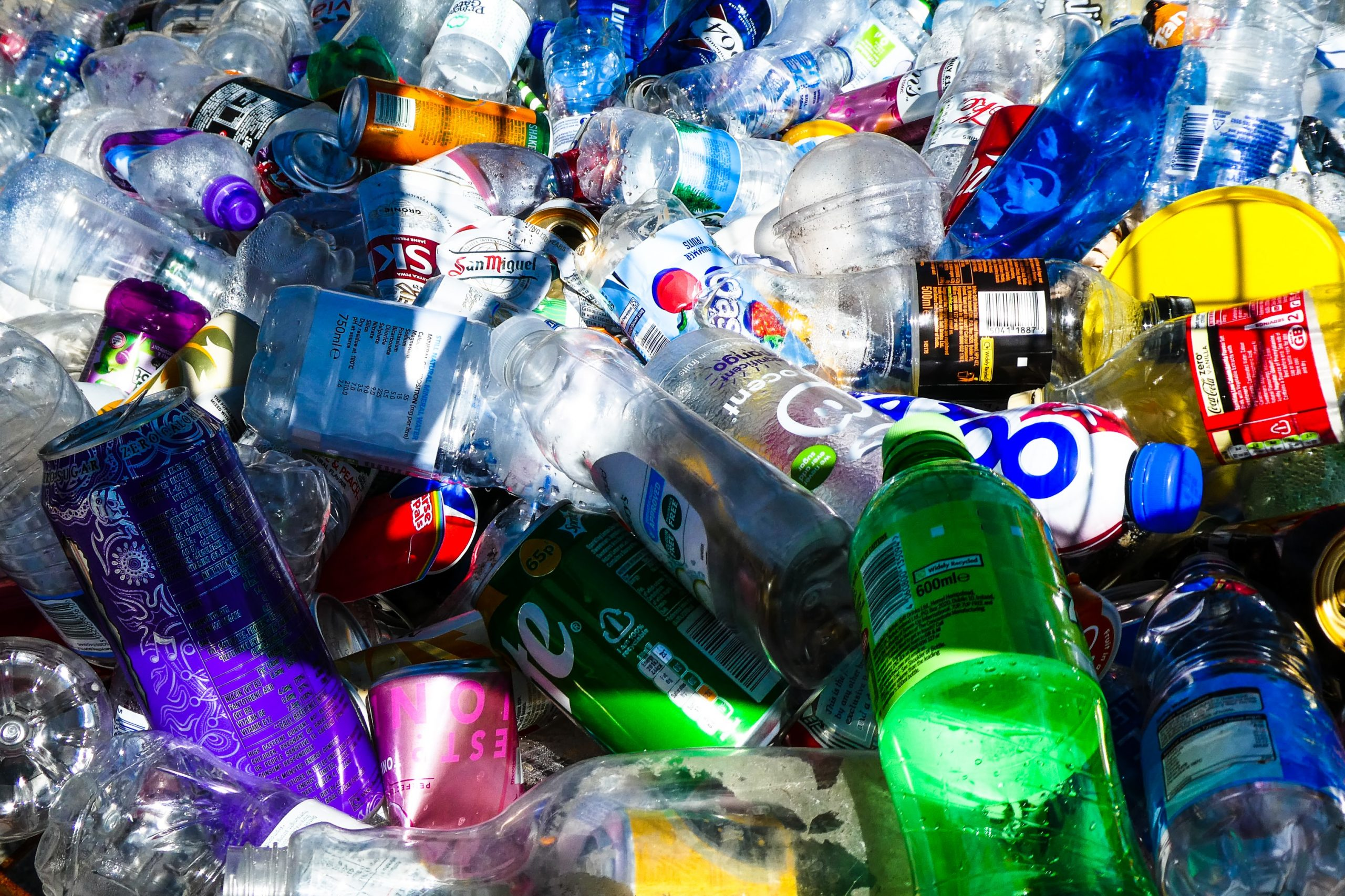 4 ways businesses can reduce plastic usage